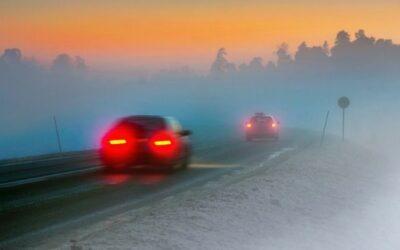 Todas las luces de un coche