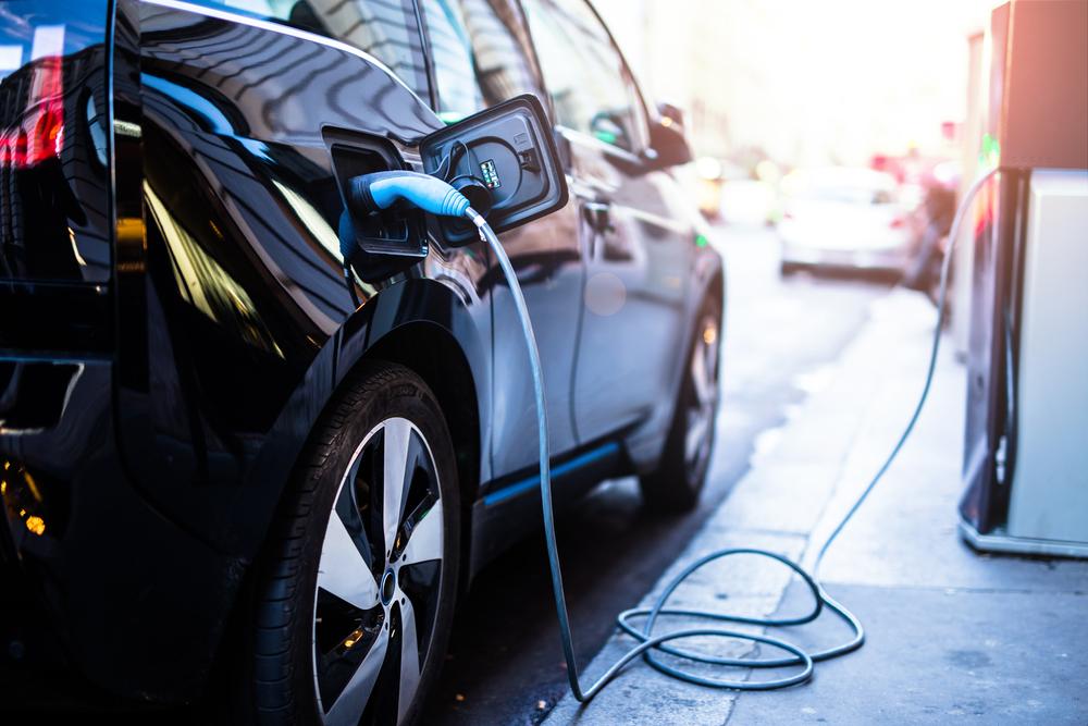 Automóviles híbridos y eléctricos: principales características